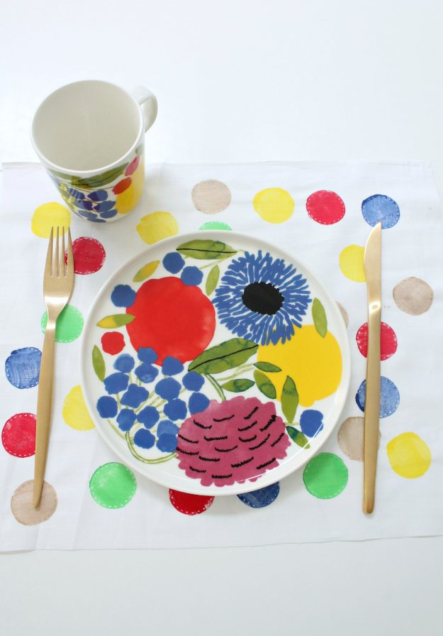 Fabric-paint-placemat-Little-Big-Bell