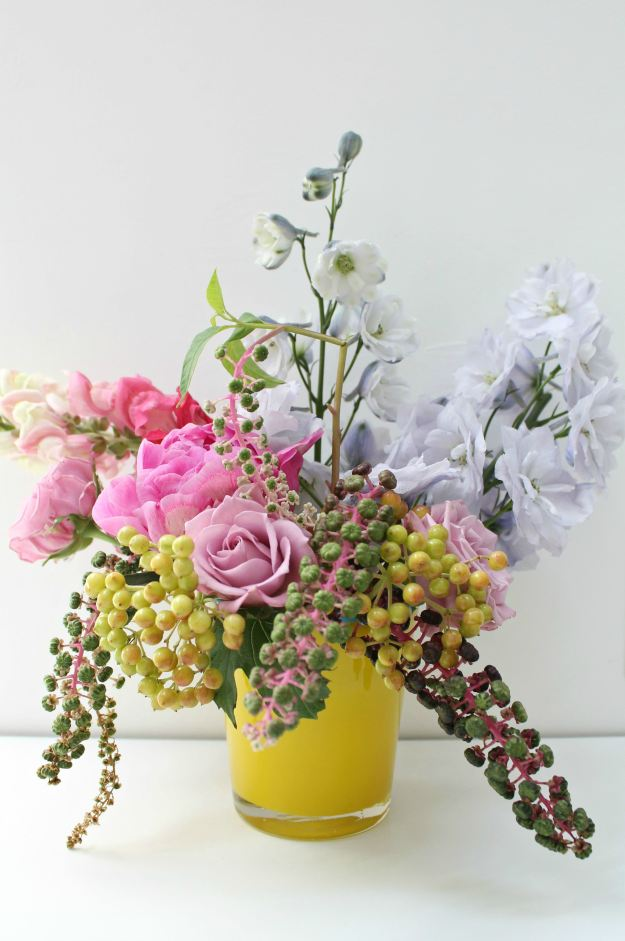 Colorful-flower-decoration-by-Little-Big-Bell
