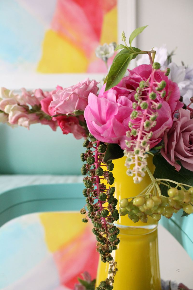 How-to-style-with-flowers-Little_Big_Bell_