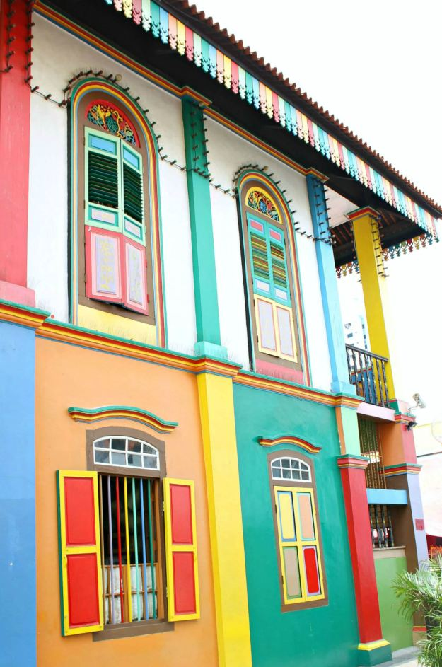 Colourful-house-colorful-1-Little-India-Singapore-photo-by-Little-Big-Bell