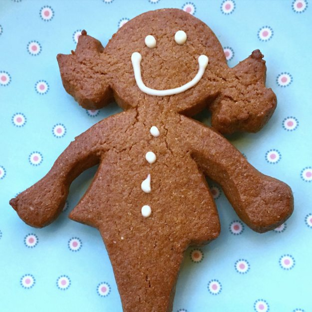 Gingerbread-girl-Pont-Street-photo-by-Little-Big-Bell