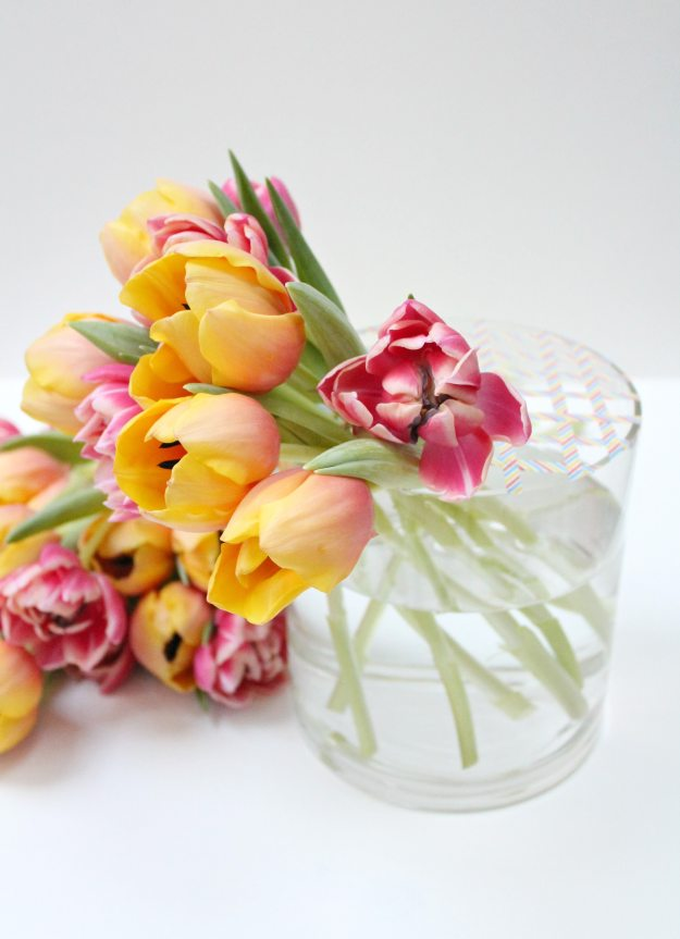Decorating-Tulips-in-a-vase-Little-Big-Bell
