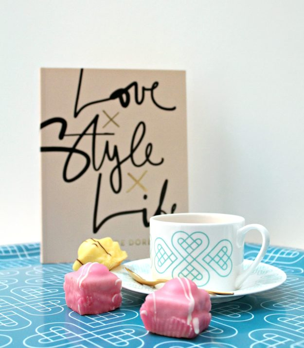 stylish-tea-cups-and-saucers-photo-by-Little-Big-Bell