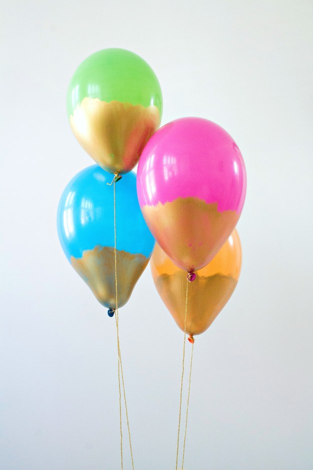 Gold-dipped-balloons-2-photo-by-Geraldine-Tan-of-Little-Big-Bell