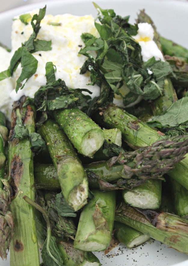 Grilled-asparagus-by-Tim-Maddams-photo-by-Little-Big-Bell-blog