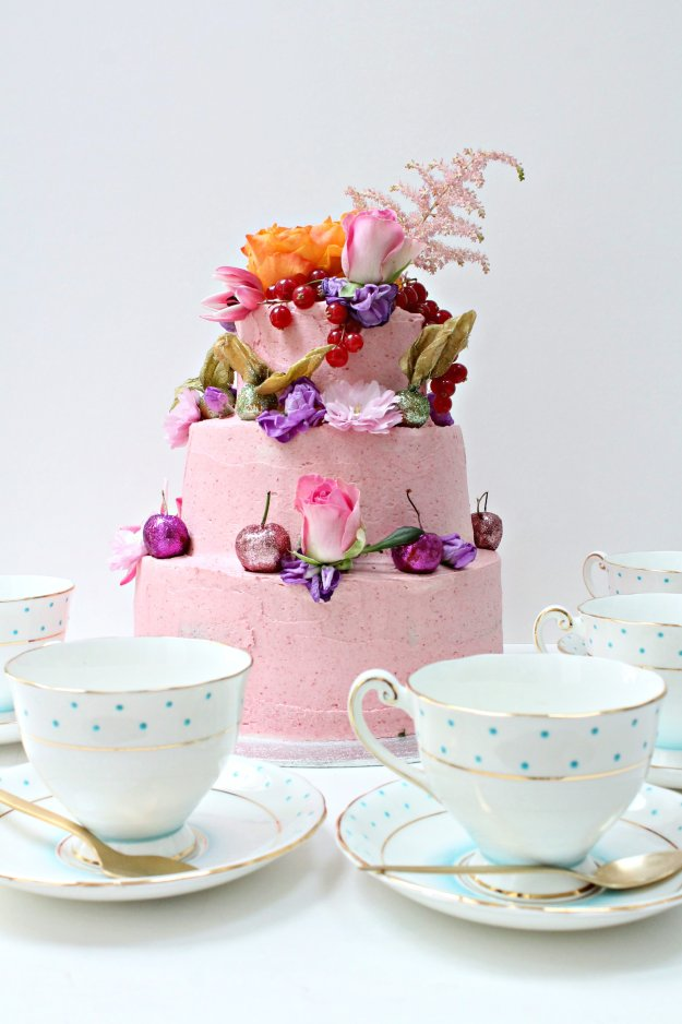 Pink-cake-tea-party-photo-by-Geraldine-Tan-Little-Big-Bell