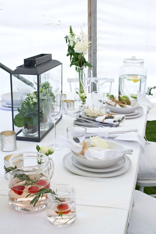 Summer-Entertaining-table-1-The-White-Company-photo-by-Geraldine-Tan-Little-Big-Bell