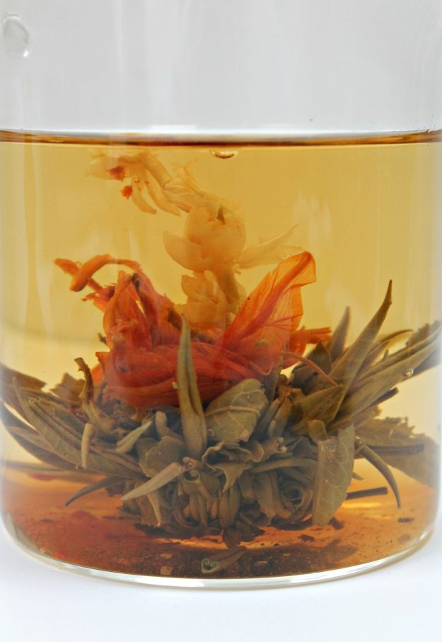 Jing-flowering-tea-photo-by-Little-Big-Bell