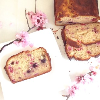 Sugar free banana and berry loaf