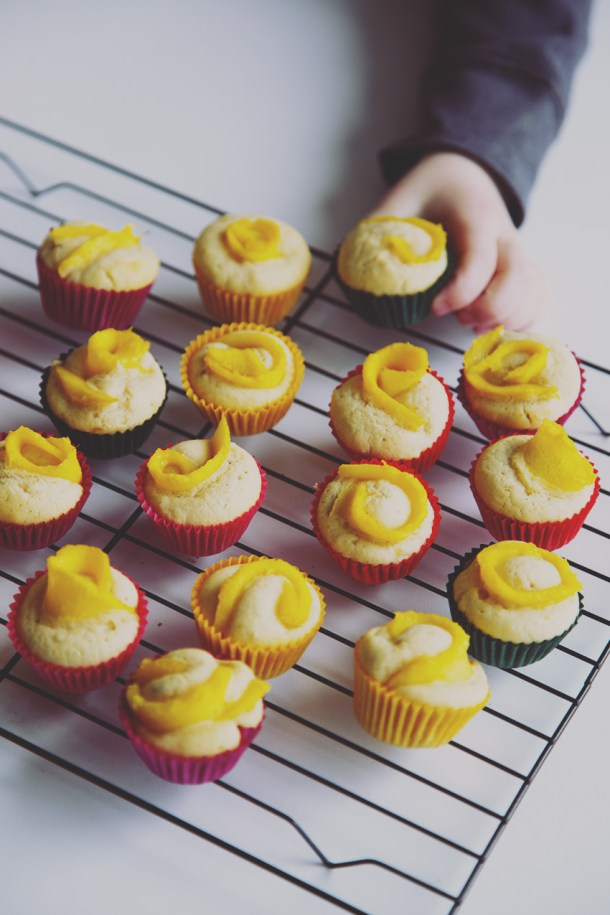 Mini mango banana cupcakes - sweetened naturally and perfect for young and old