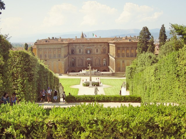 The Palazzo Pitti on the South side of the river Arno with its vast gardens.