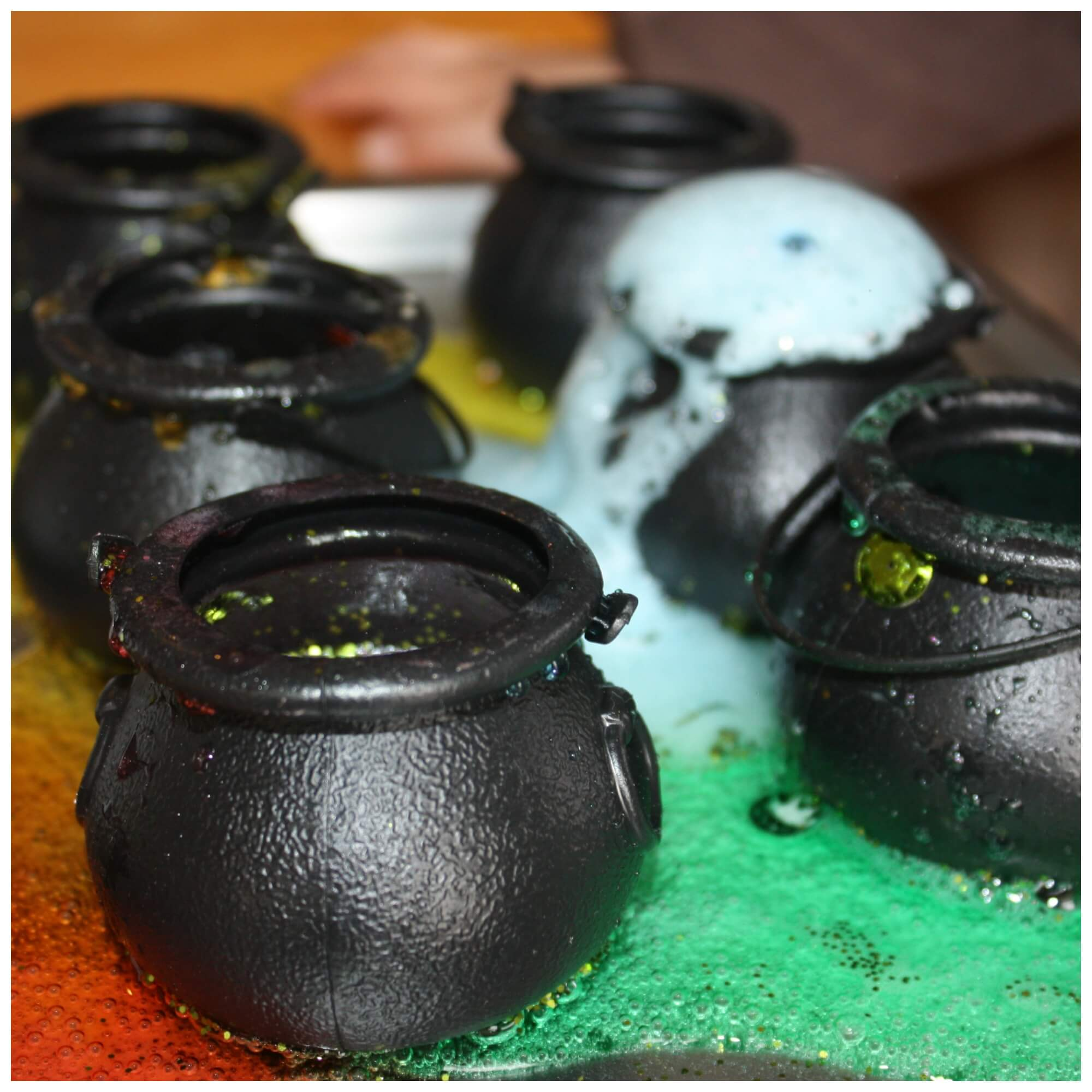 St Patricks Day Fizzing Pots Science Activity For Kids