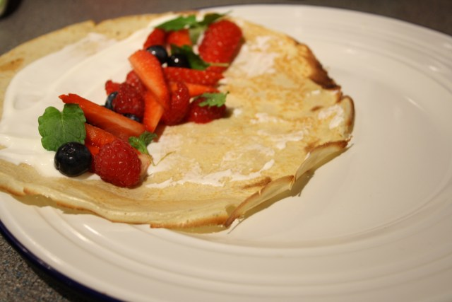 Low Carb Pancakes with Berries and Greek Yogurt