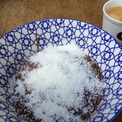 bounty ontbijt quinoa cacao kokos