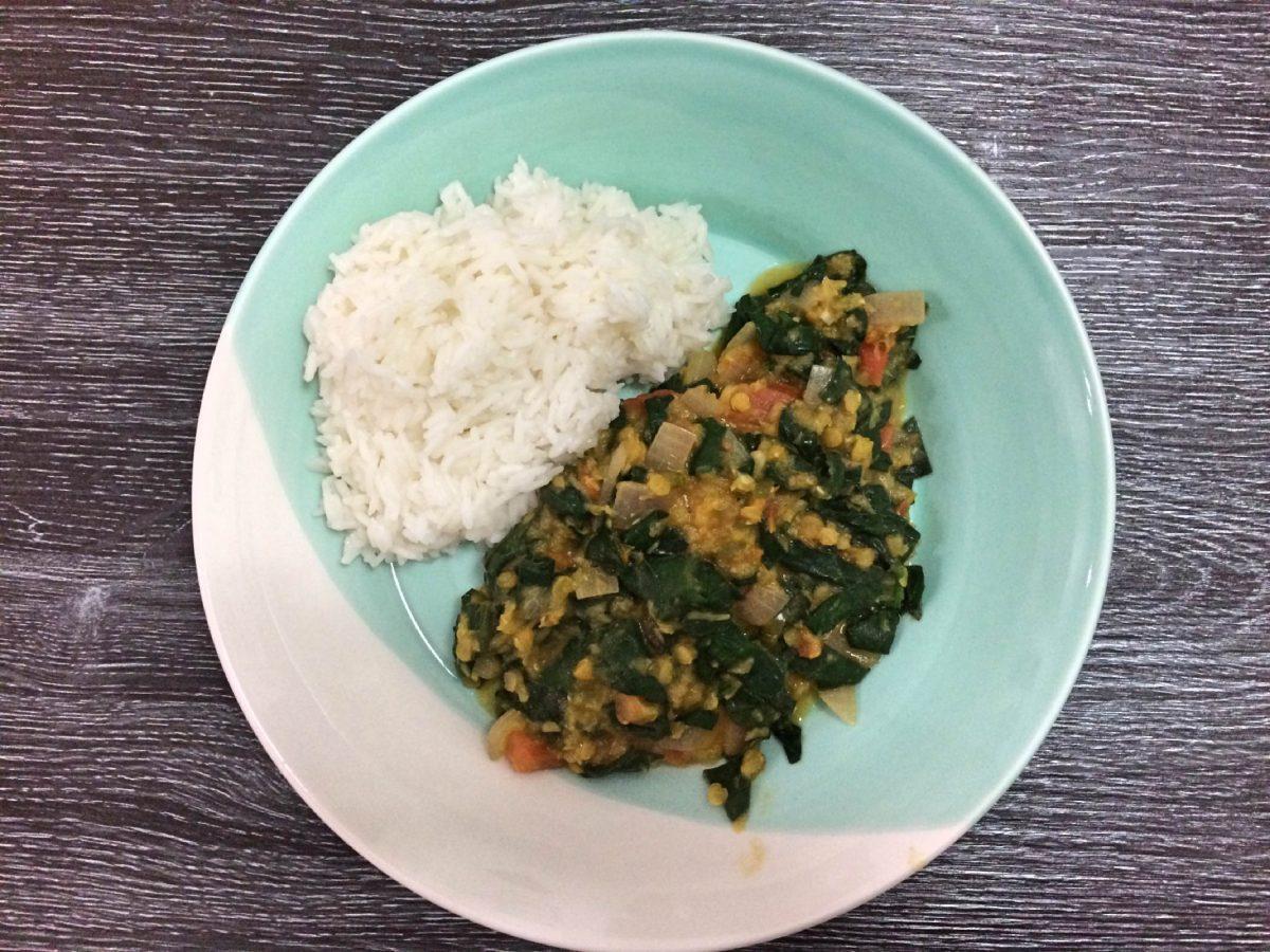 Rode linzen spinazie curry