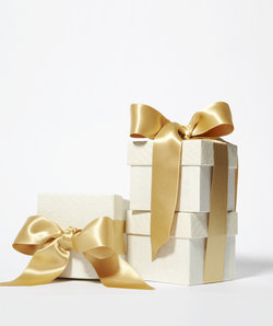 gold-wedding-gifts.jpg