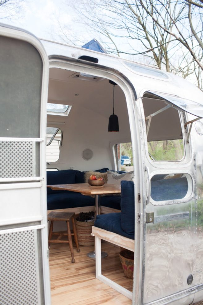 modern-caravan-vintage-airstream-renovation-3-733x1100.jpg