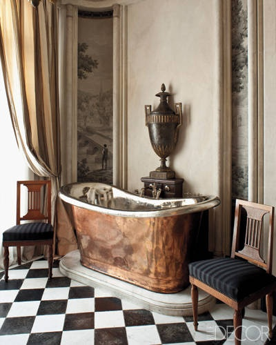 antique-copper-bathtub-Elle-Decor-Metallic-home-decor-Decembers-Color-of-the-Month-Marvelous-Metals-decorating-with-metal-gold-silver-copper-iron-mirrored-furniture.jpg