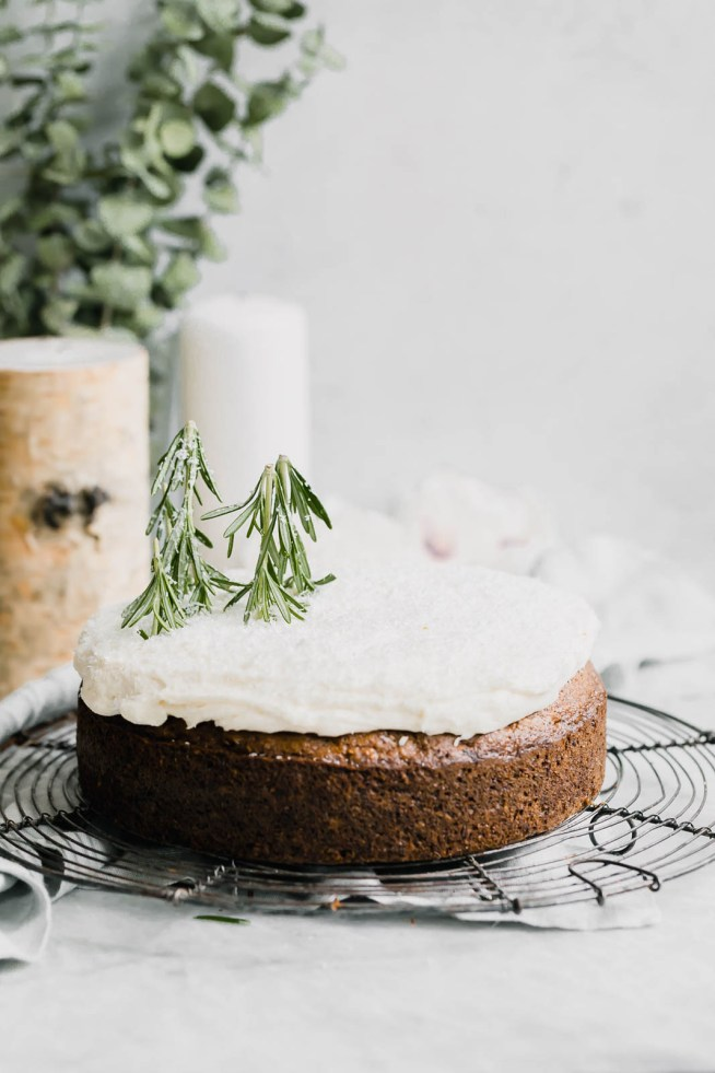 Broma Bakery Winter-Solstice-Cake and littleblackdomicile