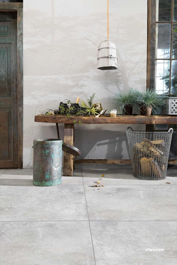 vtwonen concrete tile patio floor -littleblackdomicile