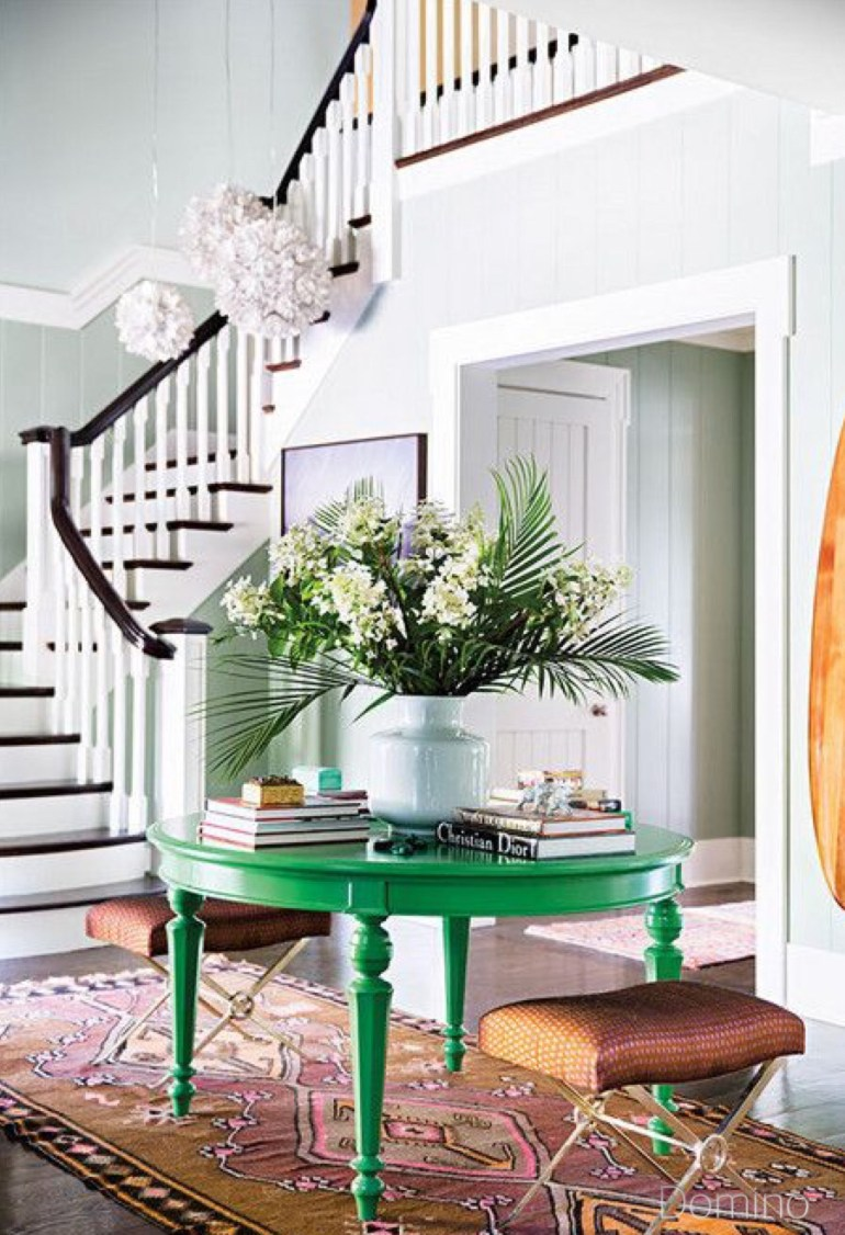 dominio-foyer-green-table-staircase-arearug-surfboard-flower-vase