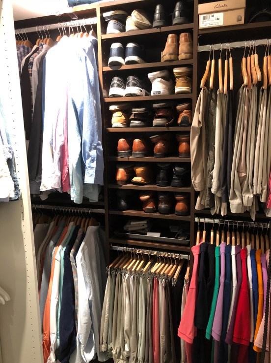 littleblackdomicile-organized-closet-wood-hangers