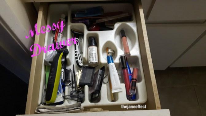 messy-drawer-bathroom-organization