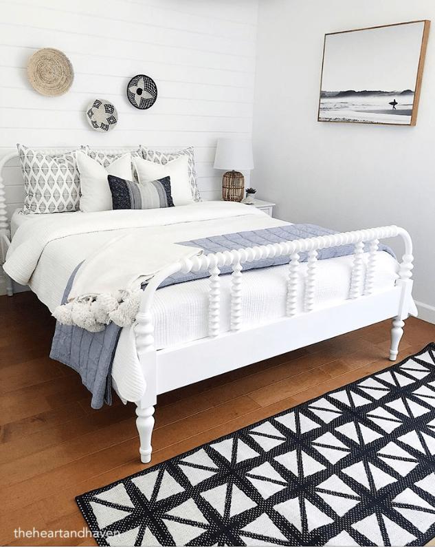 theheartandhaven-coastal-bedroom-design