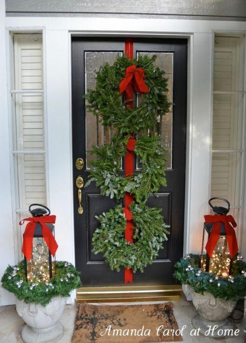 amandacarolathome-holiday-wreath-red-velvet-ribbon