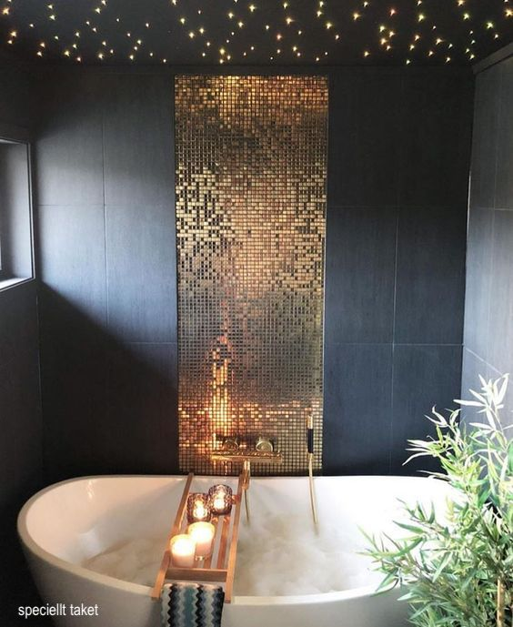 speciellt taket-gold-mosiac-bath-tub-wall-tile