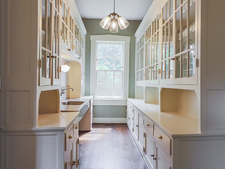 laurelbledsoedesign-vintage-kitchen-renovate-restore-butlers-pantry