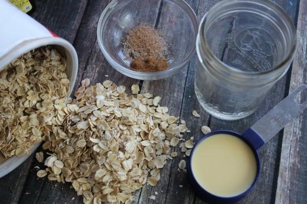 eggnog-overnight-oatmeal-ingredients
