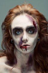 bron: http://www.snmakeupartist.com/portfolio/zombie-makeup/