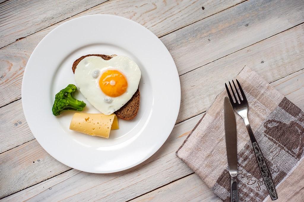 Egg yolks are healthy detoxing