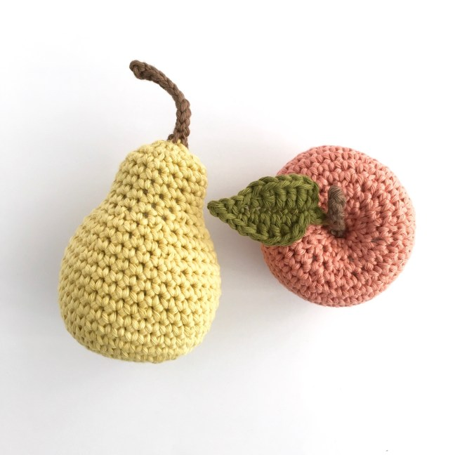 Apple and pear made with the fruit crochet kit