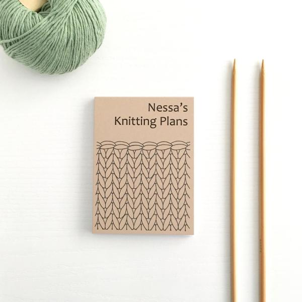 Small notepad with kraft brown cover and black line knitting design