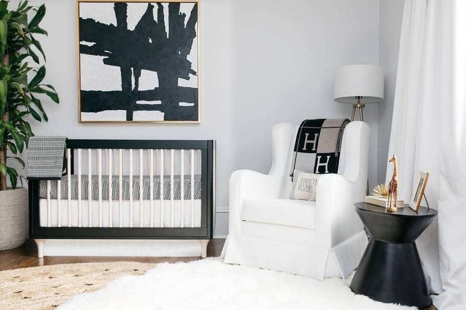 Black and white nursery design by Oilo Studio
