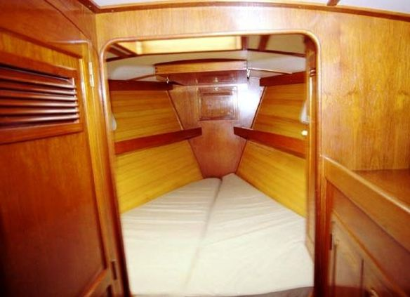 Cozy for 2, luxurious for 1, with the same beautiful woodwork found through the rest of the boat.