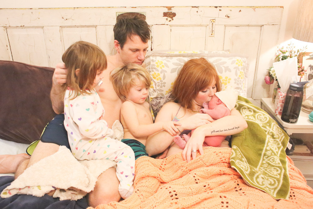 Bellingham birth photographer, Renee Bergeron, captures the beauty of a home birth.