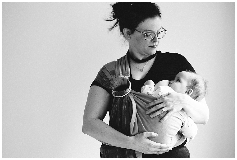A beautiful breastfeeding session with Mace and his mama by Bellingham Photographer Renee Bergeron of Little Earthling Photography.
