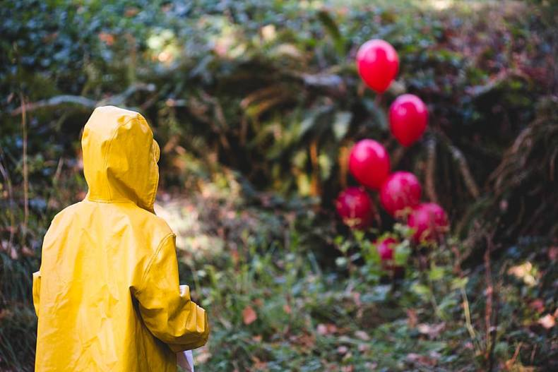 It-themed photo shoot inspired by Stephen King's It.