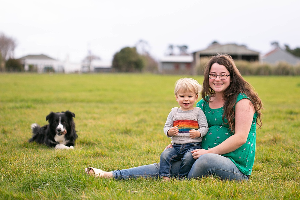 Mother and toddler maternity photo in New Zealand.