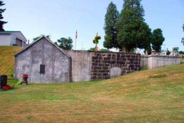 Church Street Cemetery Vault | Little Falls Historical Society Museum