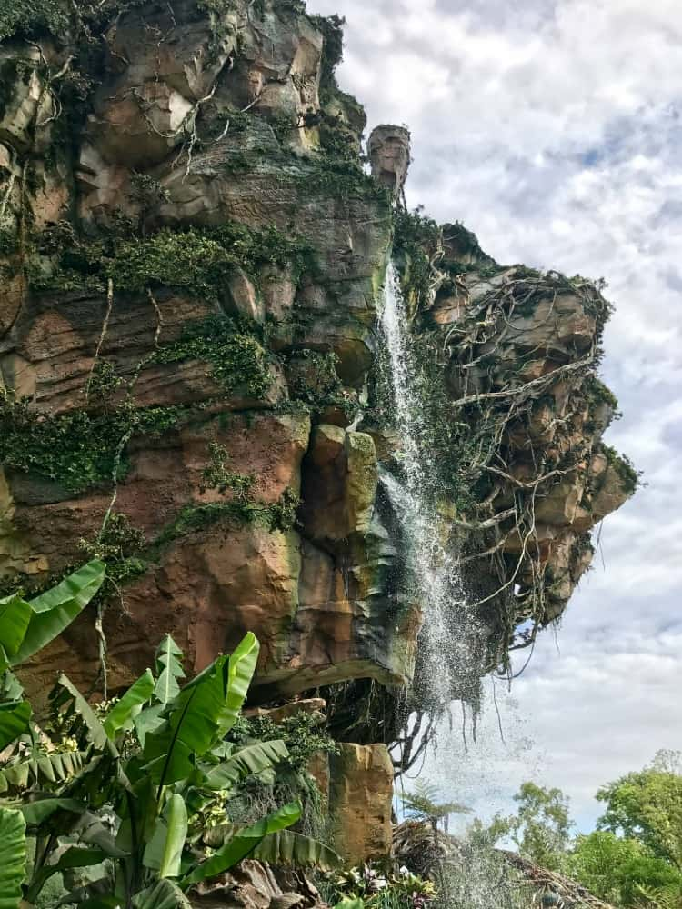 You won't believe how amazing the floating mountains look at Pandora
