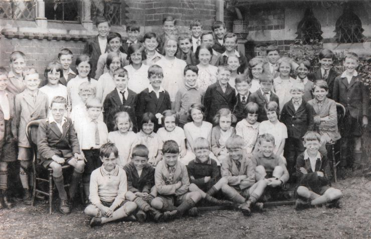 1930 photo of Little Gaddesden School Pupils