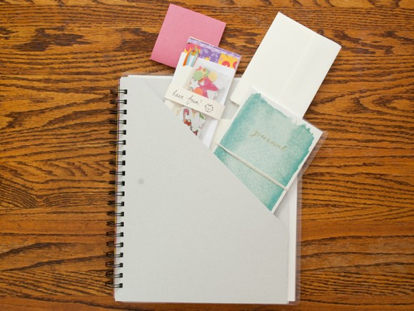 How to DIY Your Own Creative Retreat Workbook - Tips and creative ideas to personalize your new Creative Retreat workbook @ littlegirldesigns.com