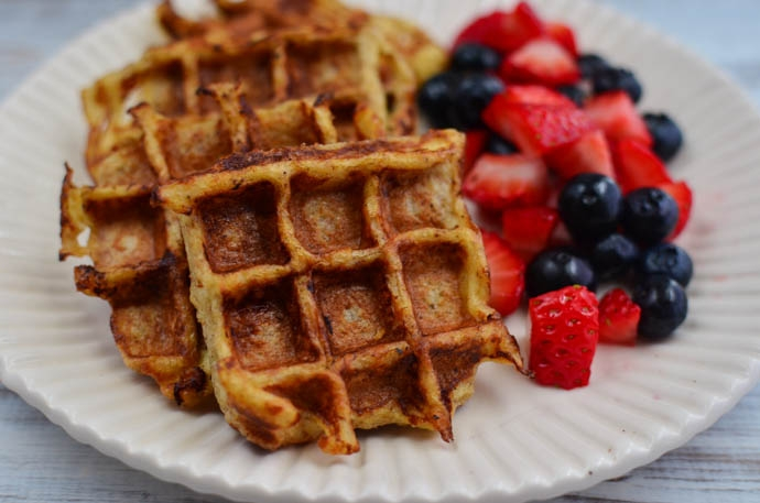 Little Grazers Mini French Toast Waffles - dairy free, baby led weaning, finger foods, fussy eaters, kids meals, breakfast, dessert