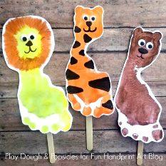 Wizard-of-oz-footprint-puppet-craft-kids