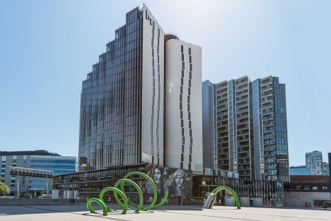 Peppers-Docklands-Exterior