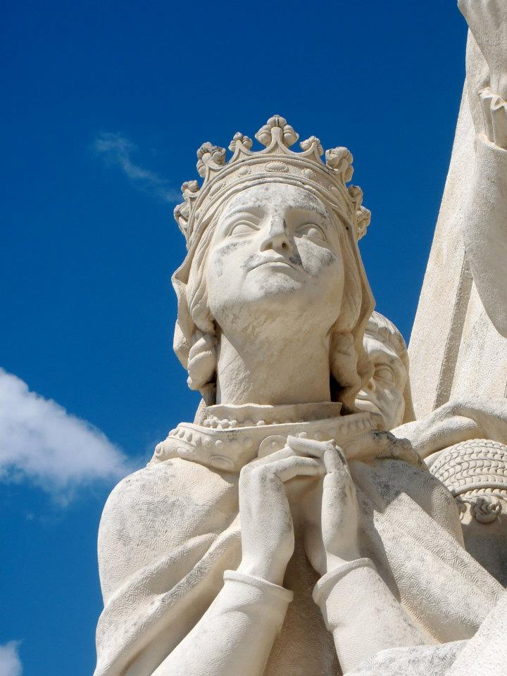 Lisbon - statue pray